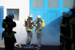 Symbolbild Atemschutztrupp im Einsatz